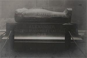 Alexander Hamilton's sarcophagus c1880's.  Image source http://www.natemaas.com/2012_10_01_archive.html