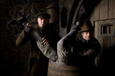 Simon Pegg and Andy Serkis disposing of a body (1)