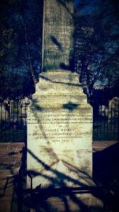 Monument to Daniel Dafoe
