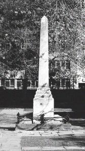 Daniel Defoe monument