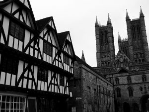 Lincoln_Cathedral_bw