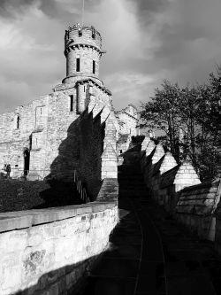 Linocoln_castle_bw_sm